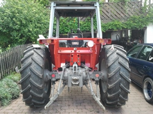 BKT Agrimax RT-855 131A8/128B 340/85-28