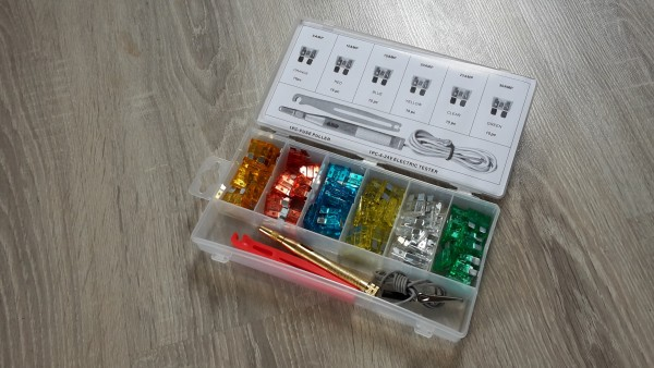 SORTIMENT FLACHSICHERUNGEN 93 STÜCK IN BOX